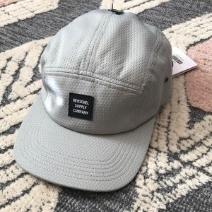 Brand new Herschel Glendale cap, light grey